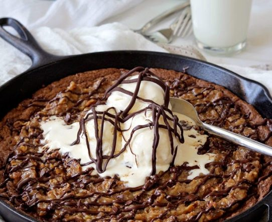 DEEP DISH GERMAN CHOCOLATE CAKE SKILLET